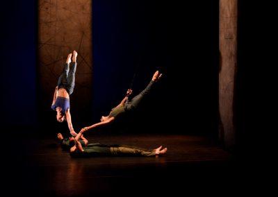 """Spectacle de danse escalade tout en grâce et en poésie """"VERTIKAL"""""""